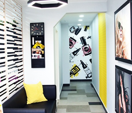 Beauty salon & nail studio